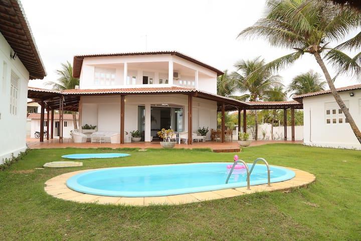 Casa aconchegante na beira-mar da praia de Jacumã