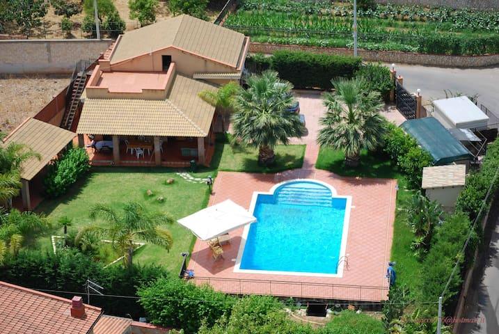 Villa Cocus - Torre Colonna-Sperone - Villa