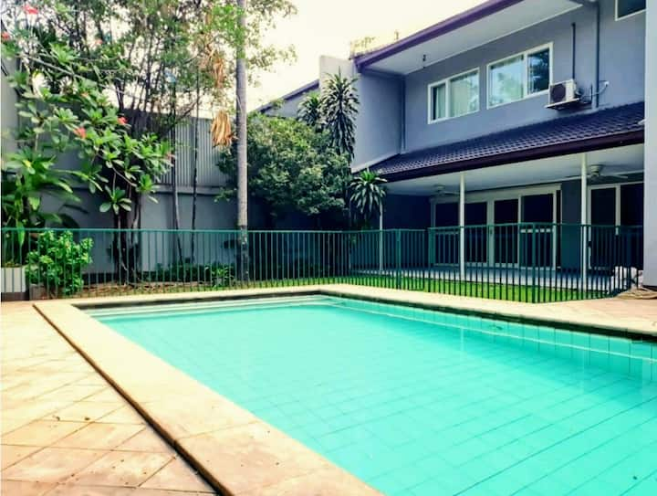 SPACIOUS VILLA  AT KEMANG - CLEAN,SAFE & PEACEFULL