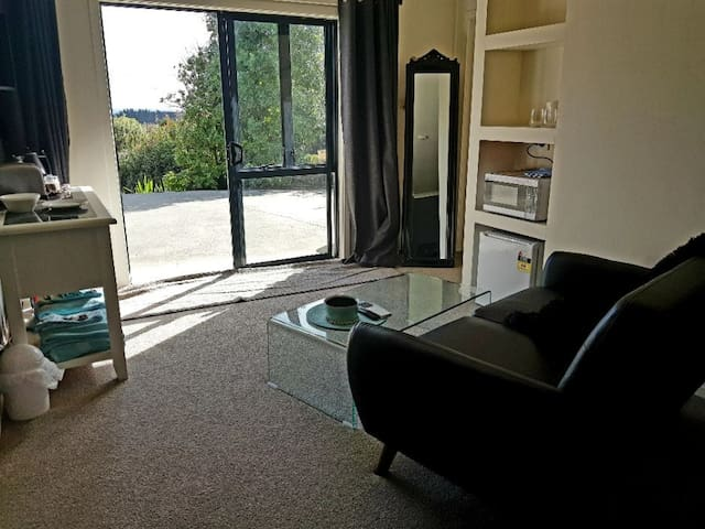 Waiuku Accommodation @ The Roost - Family 2Bdrm