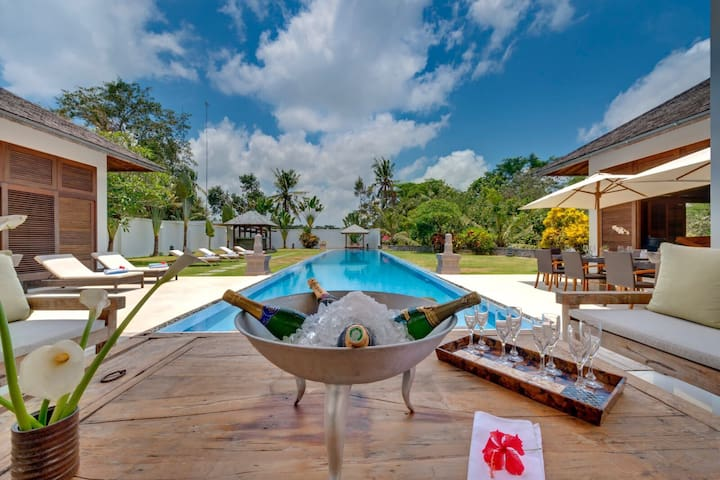Luxury Villa Bali - 12 bedrooms