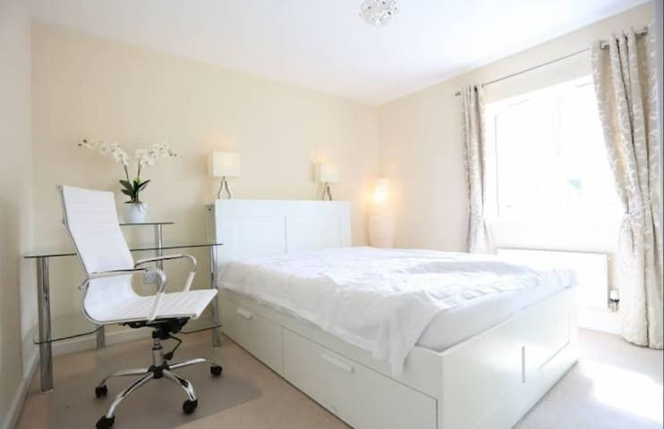 Beautiful room for one, Longstanton near Cambridge