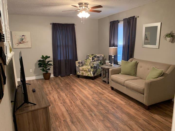 """Cute 2 bedroom in Midwest City's """"Original Mile"""""""