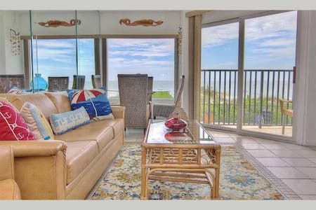 BBC114 - Tranquil Beachside Get-away just Minutes from Pier 60 and Clearwater Beach - Belleair Beach