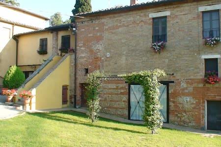 Beautiful Villa  under the Tuscan sun - Montepulciano - Villa