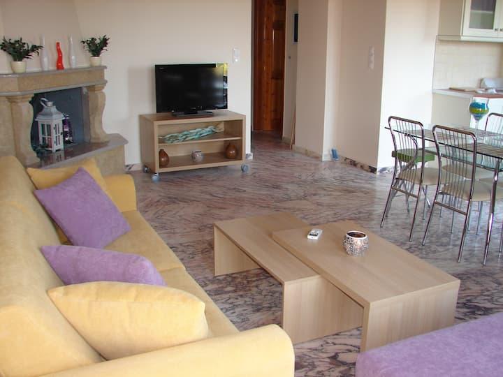 Aktaion Apartment at the Olga