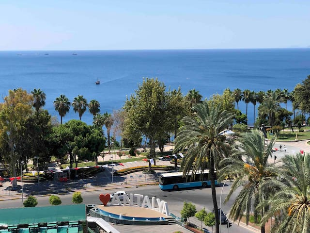 Sea wiew apartment in the heart of ANTALYA