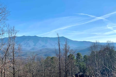 Mountain View chalet close to Gatlinburg