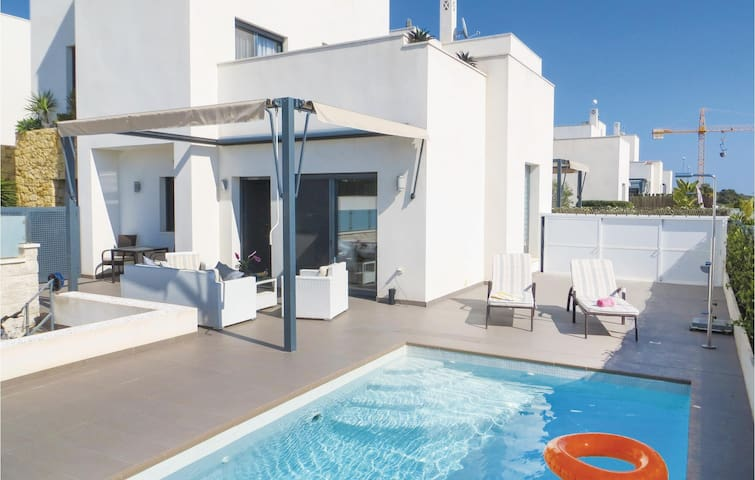 Holiday cottage with 3 bedrooms on 125m² in Rojales