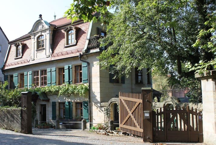 "Holiday apartment ""Villa am Fluss""  - Lauf an der Pegnitz - Appartement"