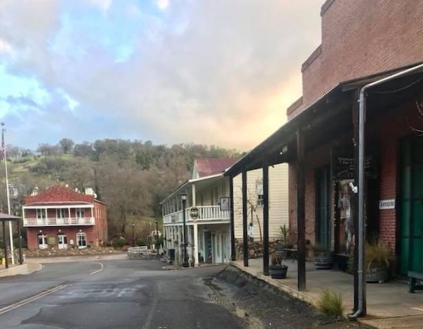 Historic Amador City Main Street is just steps away.