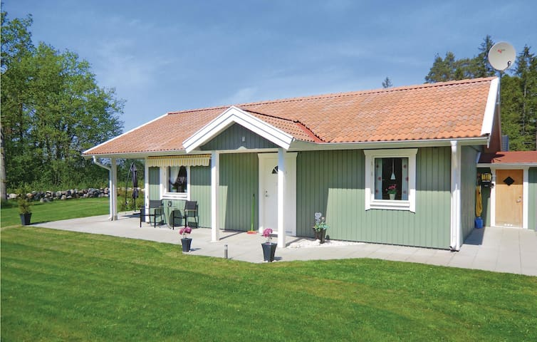 Holiday cottage with 2 bedrooms on 75m² in Löttorp
