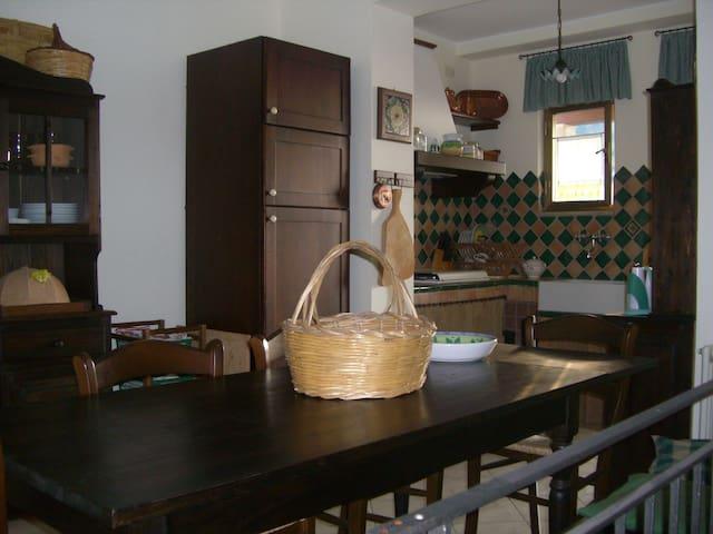Casa Vacanza Bafia Castroreale - Bafia - Hus