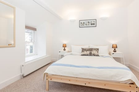 Cosy cottage in centre of Sherborne - Sherborne - Hus