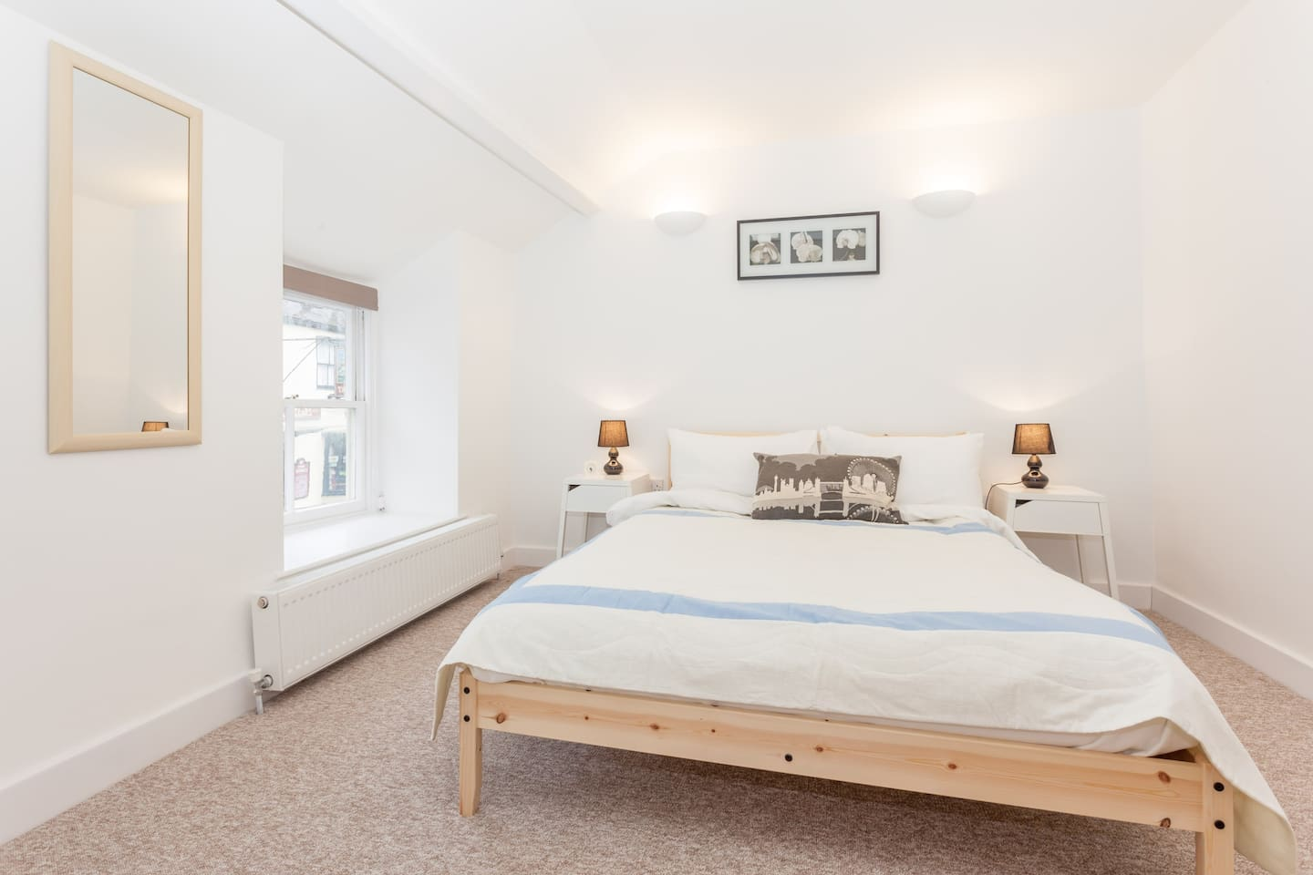 Rose Cottage is a cosy and comfortable cottage in the heart of Sherborne