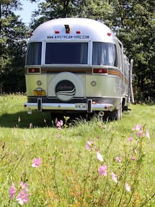 Lovely Airstream Motorhome Sleeps 6 - Black Torrington - Camper/Roulotte