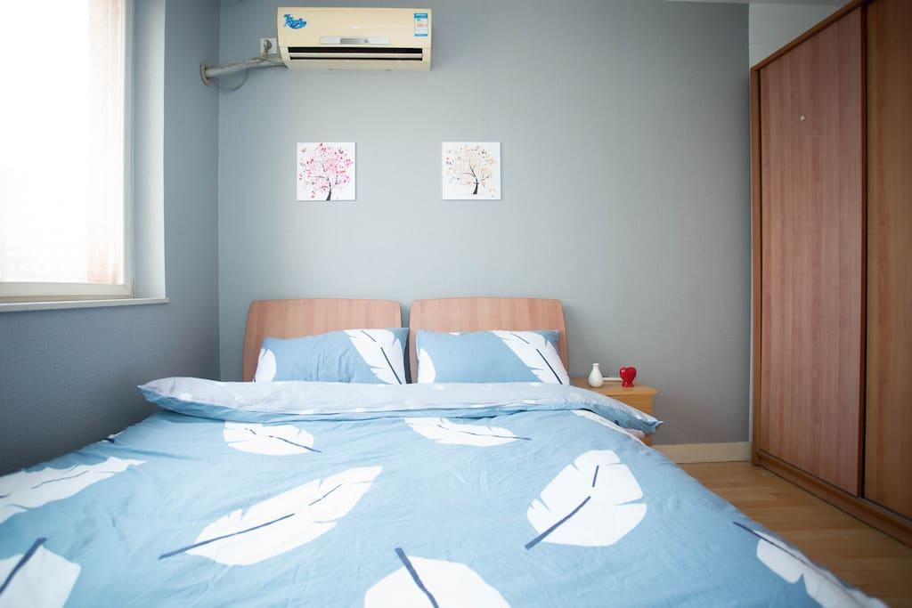 明亮的卧室