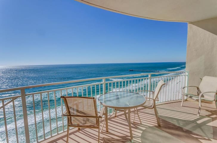 Gulf-Front 2BR+Bunks at Aqua - Walk to Pier Park
