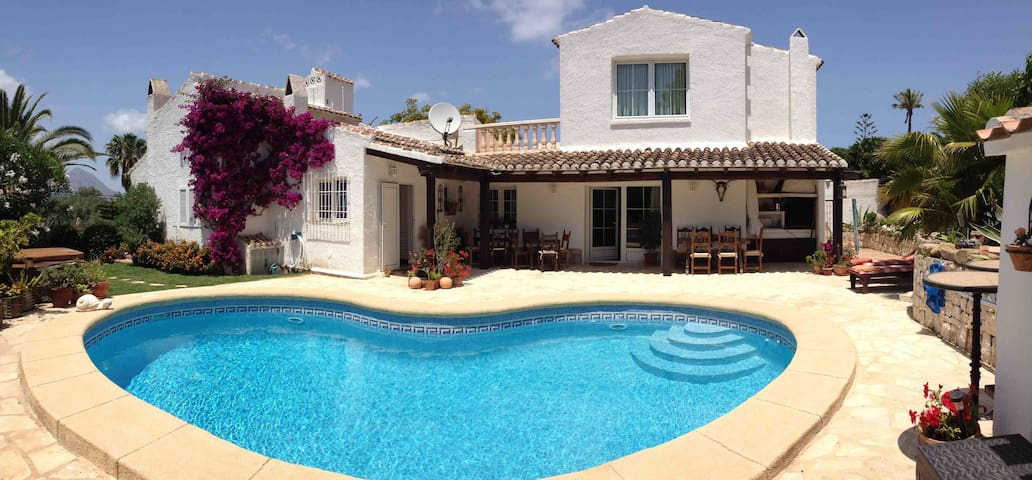 Private apartment in nice villa - Javea - Huis