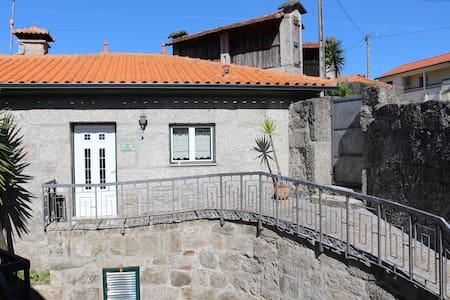 Casa dos Pinheiros/Villas da Quintã
