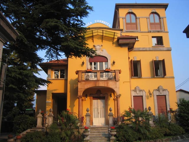 Villa in stile liberty dell' 1800 - Bellagio - Bed & Breakfast