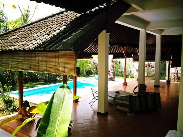 Villa Lola-your beautiful Bali home - Północne Kuta - Dom