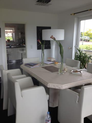 Modernes Haus in Saarland! - Mettlach - Casa