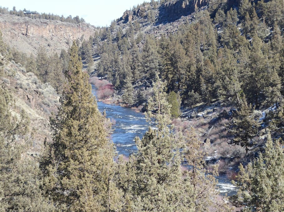 Extensive Deschutes River frontage for fishing, hiking and swimming in season.