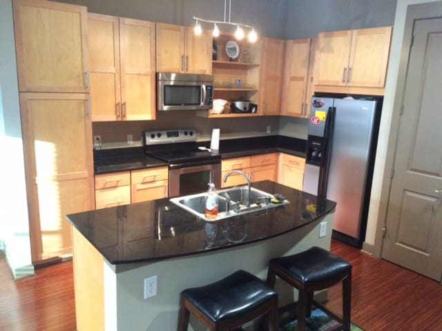 Uptown Apartment Walkable to Hot Spots - Dallas - Appartement