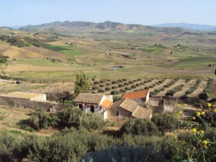 Antica Masseria immersa nel verde