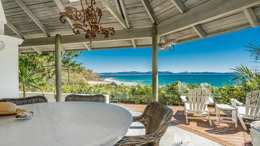 Byron Bay Luxury Holidays - The White House - Island Style Getaway