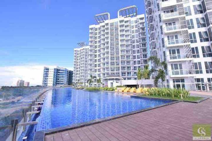 5 star condo in main resort area - infinity pool