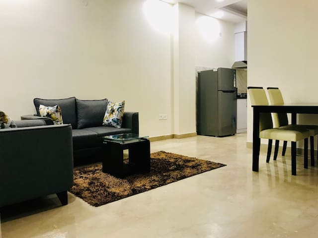 Olive 2 Bed Apt with Kitchen @ City Centre Delhi