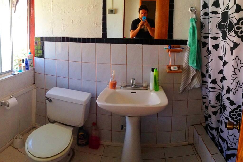 Baño común, segundo piso