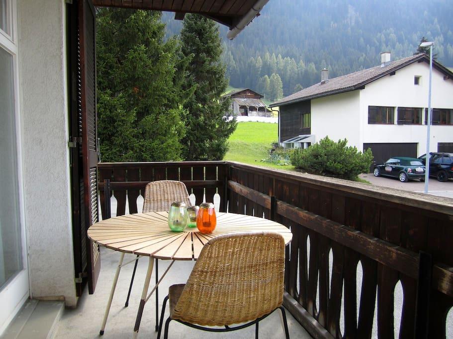Balkon mit Sicht auf das Jakobs - und Rinerhorn