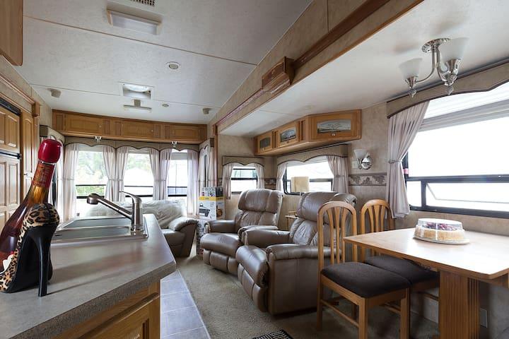 Quiet elegant ,safe suite apt  close to the beach. - Hallandale Beach - Apartment