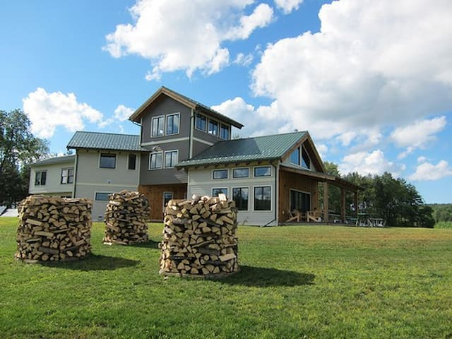 Tenwood Lodge Large Family Suite - Ithaca - Ev