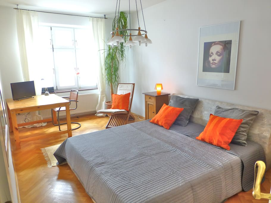schwabinger flair mit eigener k che wohnungen zur miete in m nchen bayern deutschland. Black Bedroom Furniture Sets. Home Design Ideas