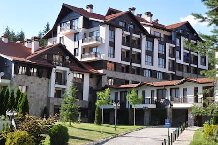 Ski-in ski-out Apartment, sleeps 4 - Borovets
