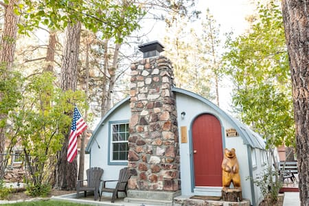 Big Bear Quonset Lodge-Pet Friendly
