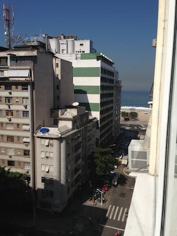 Gorgeous condo Copacabana Beach