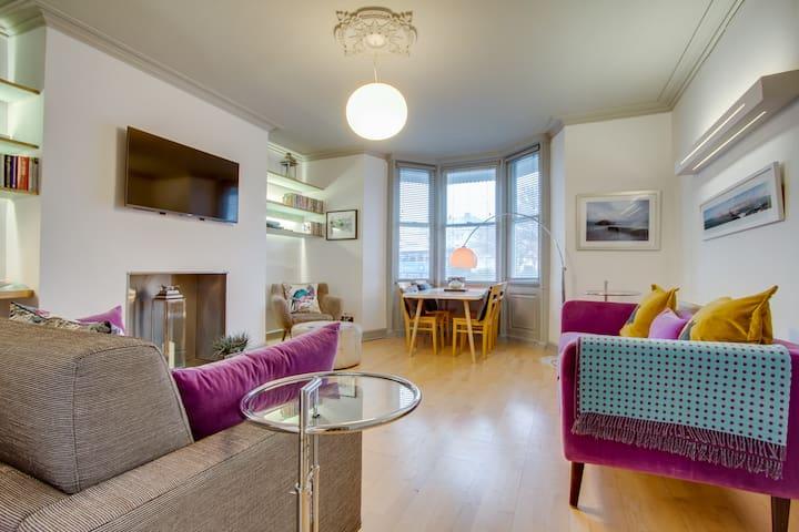 Raised-ground floor Regency apartment by Pier