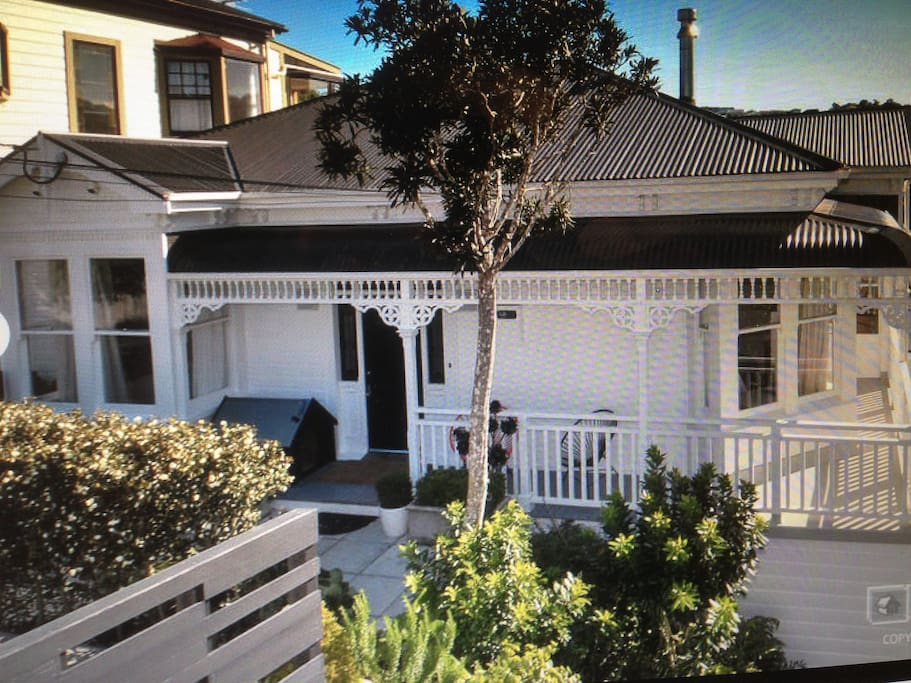 Kelburn House Built in 1906. But fully renovated 5 years ago.