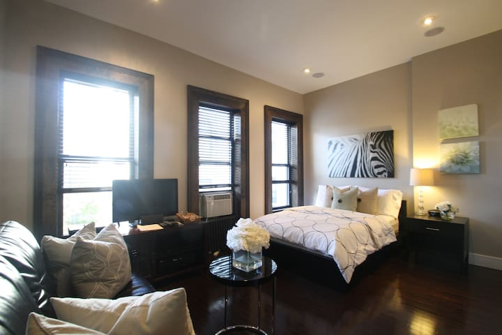 Beautiful Studio in Heart of Harlem