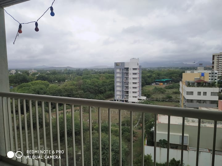 2 Bedroom apartment with balcony.. close to Sula