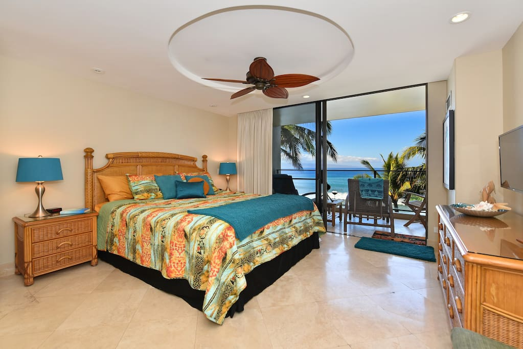 Master suite has direct access to our private lanai to watch the stars or sit and watch the rolling tides