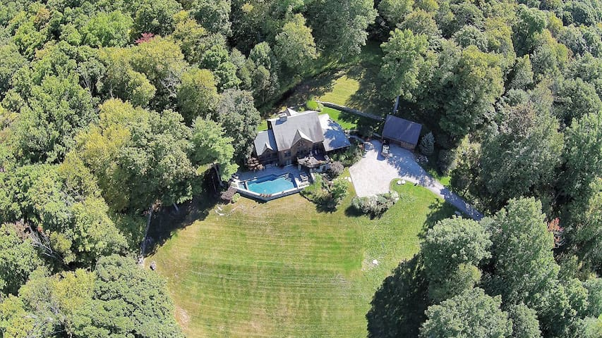 Private Home - Pool, Views and more in Kent Ct - Kent - Casa