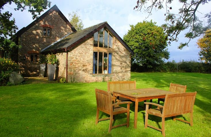Orchard Barn @Berllanderi 5 Star SC - Usk - House