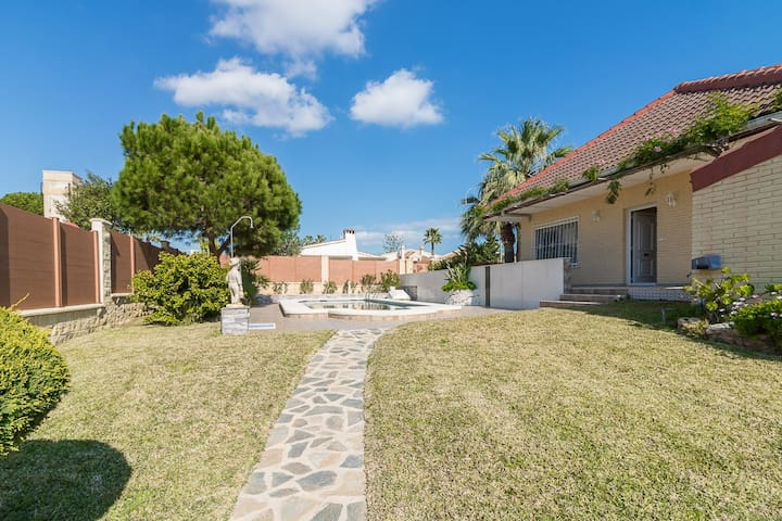 Exclusive villa 150 m to Zenia beach with a pool