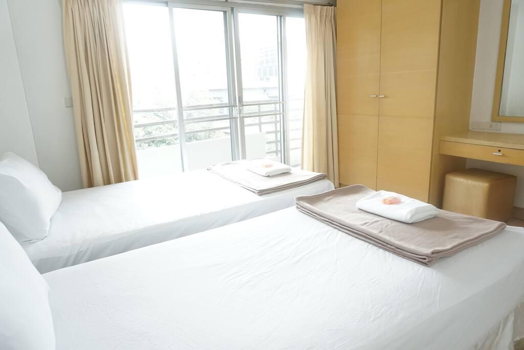 Bedroom 2&4 : 2 single bed